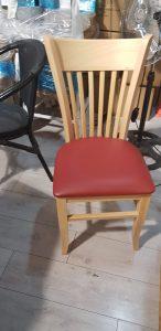 כסאות עץ מרופדים 4